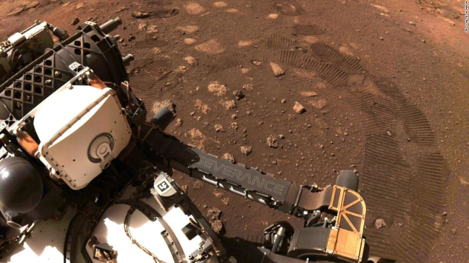 مشاهد جديدة مذهلة من المريخ.. هذا ما رصدته مركبة ناسا على الكوكب الأحمر