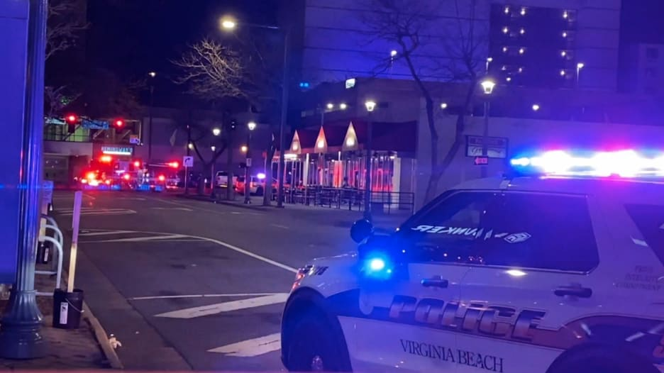 """مقتل شخصين وإصابة 8 آخرين في حادث إطلاق نار """"عشوائي"""" في ولاية فيرجينيا"""