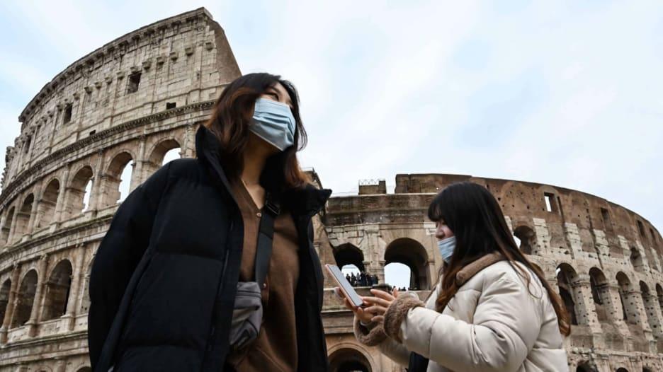 أوروبا تمثل ثلثي جميع وفيات فيروس كورونا في العالم.. كيف تخطط لاحتواء انتشار الفيروس قبل بدء موسم السياحة؟