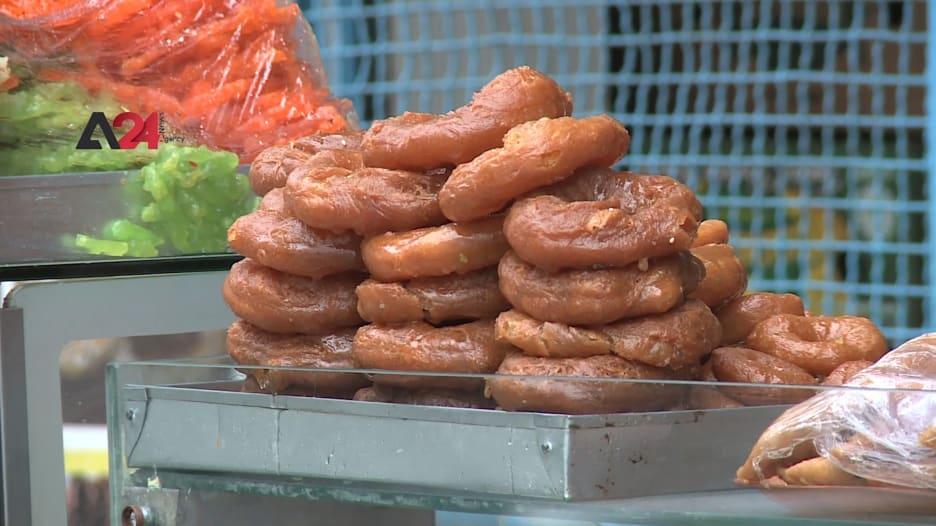 تمنح الطاقة للصائمين.. تعرف إلى حلويات المخارق والزلابية التي ترتبط بشهر رمضان في تونس