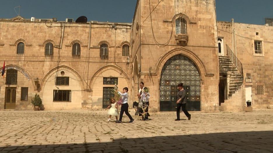 كاميرا CNN تتجول داخل الحي الأرمني الشهير في القدس.. وتتحدث لسكانه