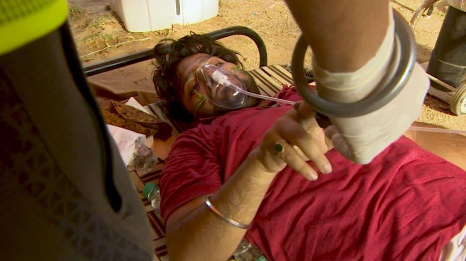 أمة غير قادرة على التنفس.. الهند تكافح مع نقص في عبوات الأكسجين لمرضى فيروس كورونا