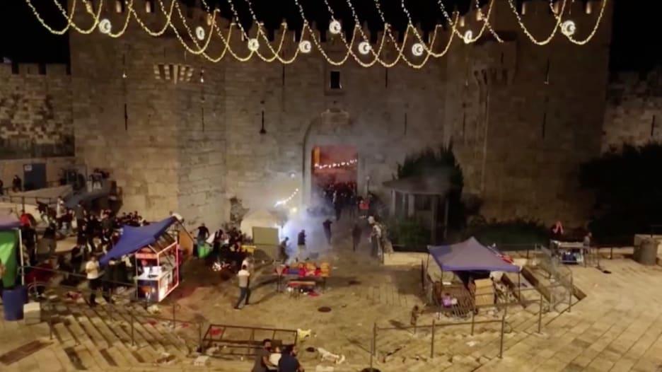 القدس تتأرجح على حافة ثوران بركاني هو الأكبر منذ سنوات.. آخر التطورات من مراسلة CNN