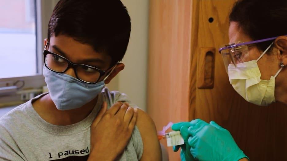إليك كل ما يجب على الآباء معرفته حول تطعيم أطفالهم ضد فيروس كورونا