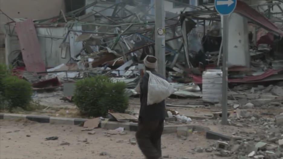شاهد.. الأضرار في عسقلان وغزة بعد تبادل إطلاق الصواريخ