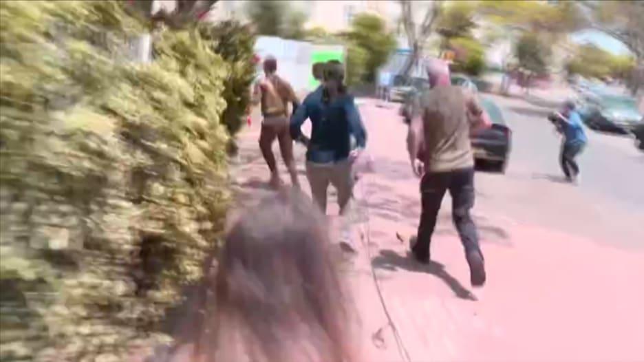 فيديو يظهر هلع وهروب إسرائيليين للملاجئ وسط دوي صافرات الإنذار
