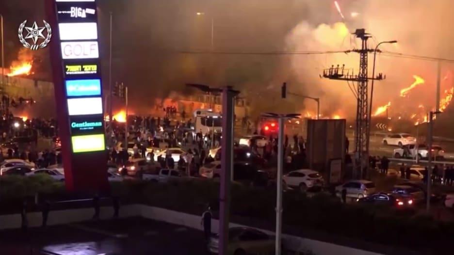شاهد.. اشتباكات بين الشرطة الإسرائيلية ومواطنون عرب في مدينة أم الفحم