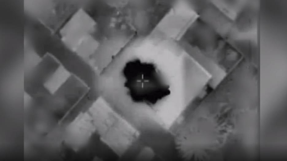 إسرائيل تنشر فيديو تقول إنها لحظة استهداف منزل قيادي في حماس في غزة