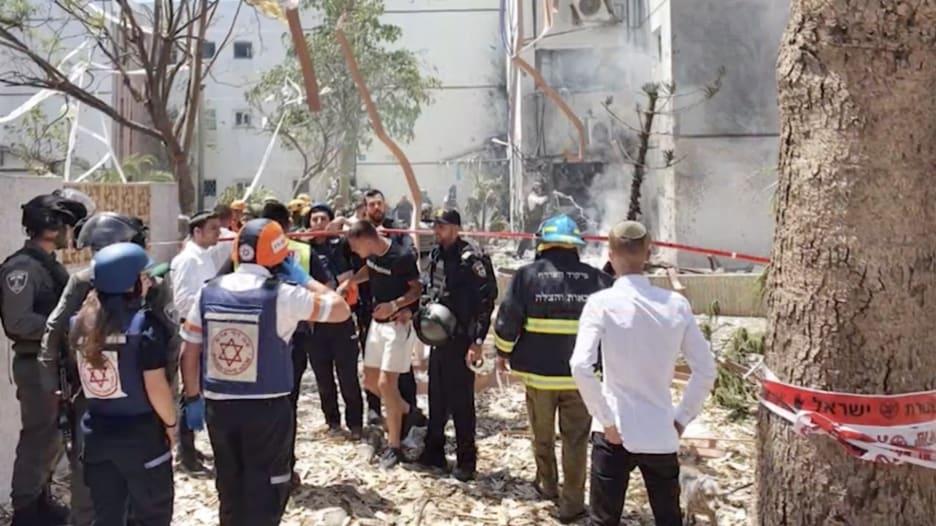 الجيش الإسرائيلي: استهداف مبنى واحد على الأقل بصواريخ من غزة على أشدود