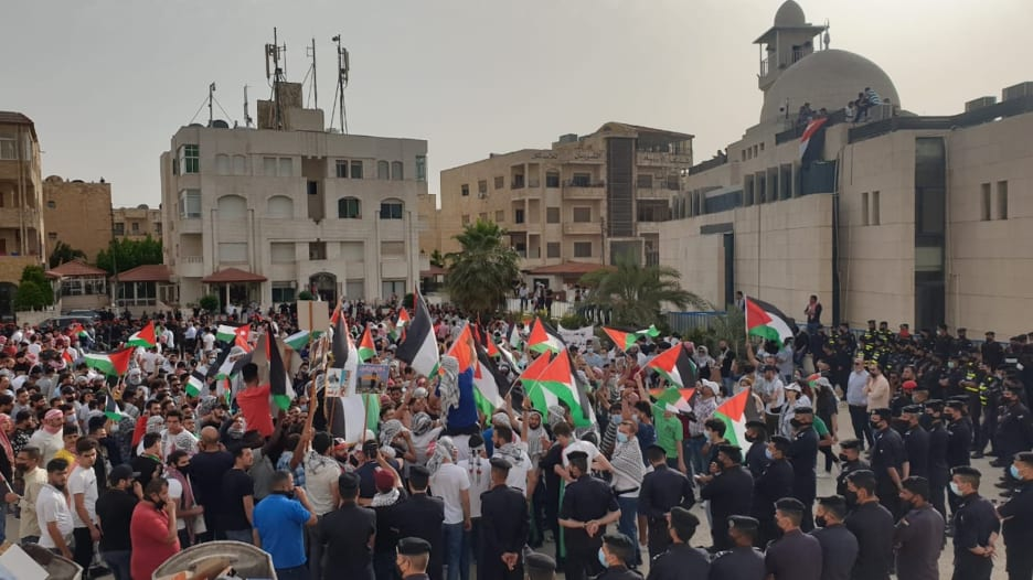 الأردن.. تظاهرات قرب الحدود مع إسرائيل وأخرى بنطاق سفارتها في عمّان