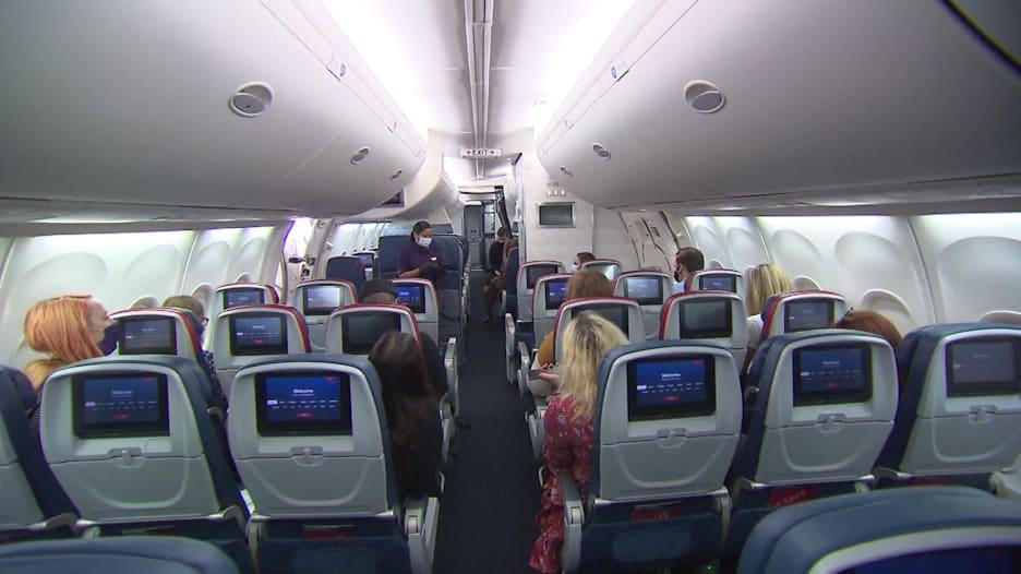 ظاهرة جديدة بعد الجائحة.. زيادة في ركاب الطائرات المشاغبين