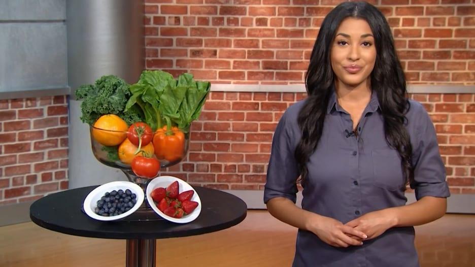 ما هو عدد حصص الفاكهة والخضار التي تحتاج إلى تناولها لتعيش حياة طويلة؟