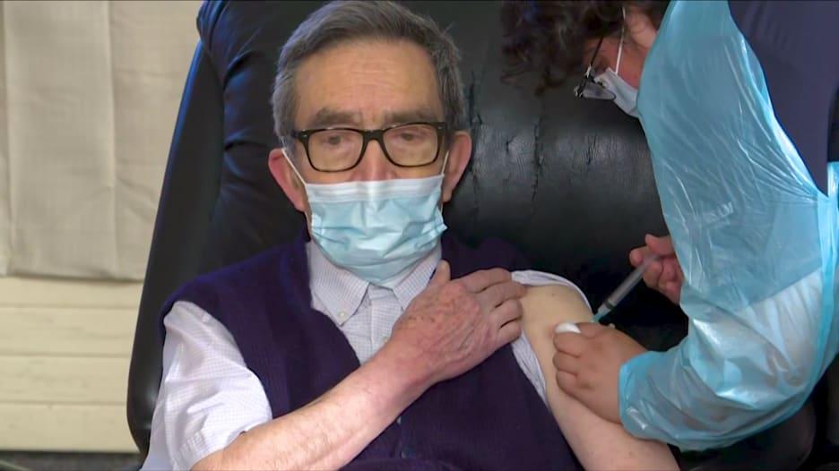 هذه الدولة تشهد ارتفاعًا سريعًا في عدد حالات الإصابة بفيروس كورونا رغم تطعيم 65٪ من سكانها.. لماذا؟
