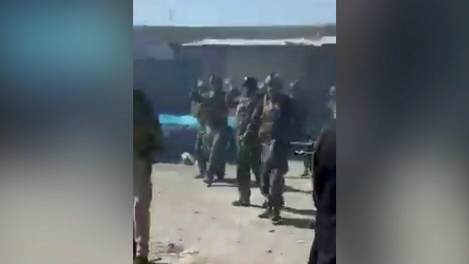 رغم توثيق الحادثة بفيديو.. طالبان تنفي إعدام كوماندوز أفغان بعد تقرير حصري لـCNN