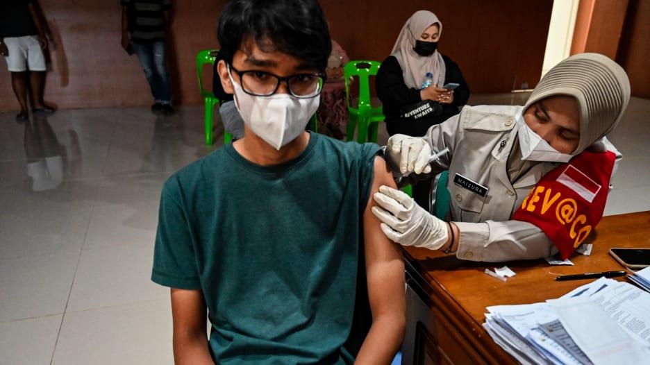 مع اقتراب بداية العام الدراسي.. متى سيتمكن للأطفال تحت سن الـ 12 عاماً من الحصول على لقاح فيروس كورونا؟