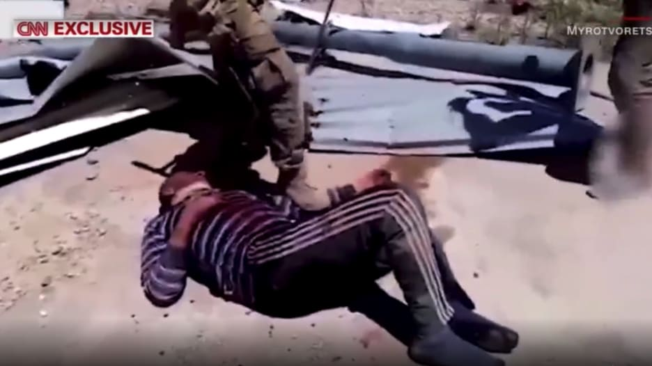 """حطموا عظامه بمطرقة وقتلوه على وقع موسيقى روسية قومية.. قصة سوري قتله """"الفاغنر"""""""