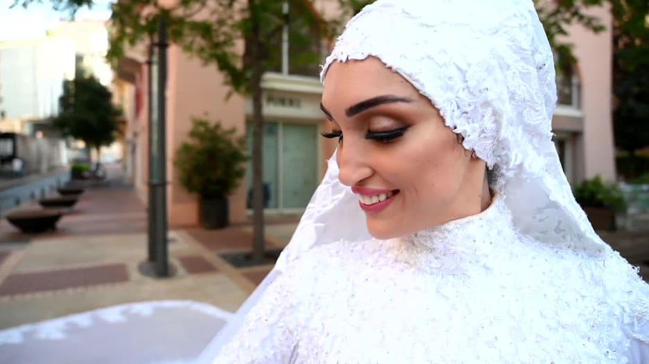 """""""عروس بيروت"""" بعد عام من الانفجار: نريد الأمان فقط"""