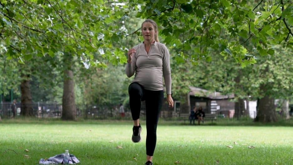 لقاح كورونا والحوامل.. حالة من عدم اليقين مع تغير الإرشادات