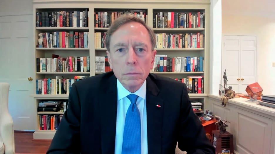 """مدير CIA الأسبق لـCNN: طالبان ستواجه """"مأزقا استثنائيًا"""" لهذه الأسباب"""