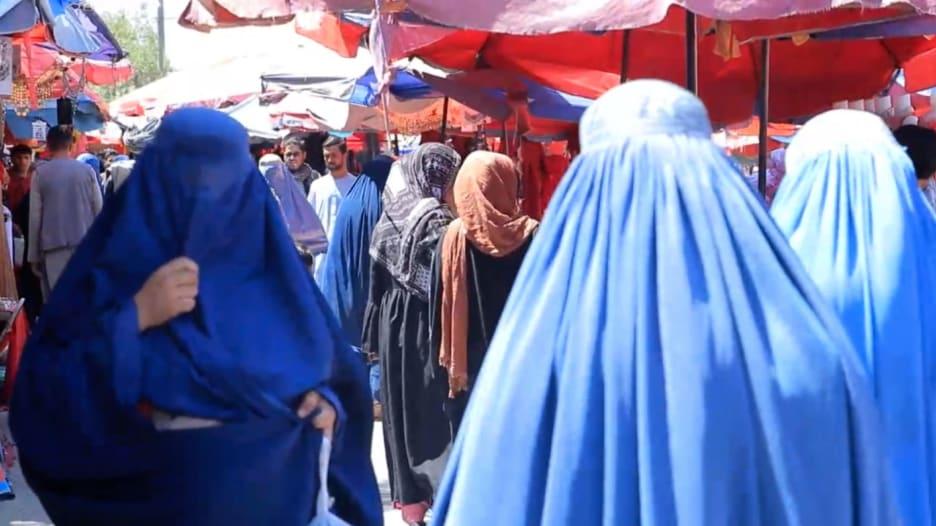 ناشطات أفغانيات يرفضن مغادرة البلاد من أجل ضمان حقوق النساء الباقيات