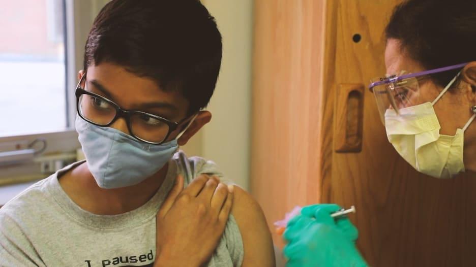 خمسة أشياء يجب أن يعرفها الآباء عن تطعيم أطفالهم ضد كورونا