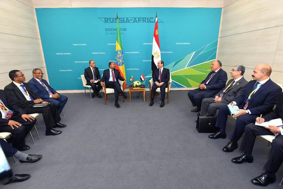 السيسي ورئيس وزراء إثيوبيا يتفقان على استئناف المفاوضات حول سد النهضة