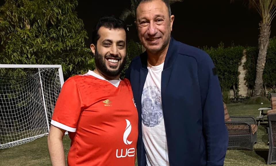 تركي آل الشيخ يعلن المصالحة مع محمود الخطيب بزيارة إلى منزله