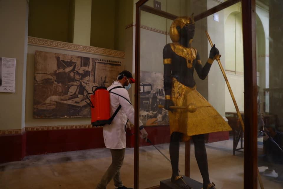 لمواجهة فيروس كورونا..مصر تبدأ حملة تعقيم وتطهير للمواقع الآثرية