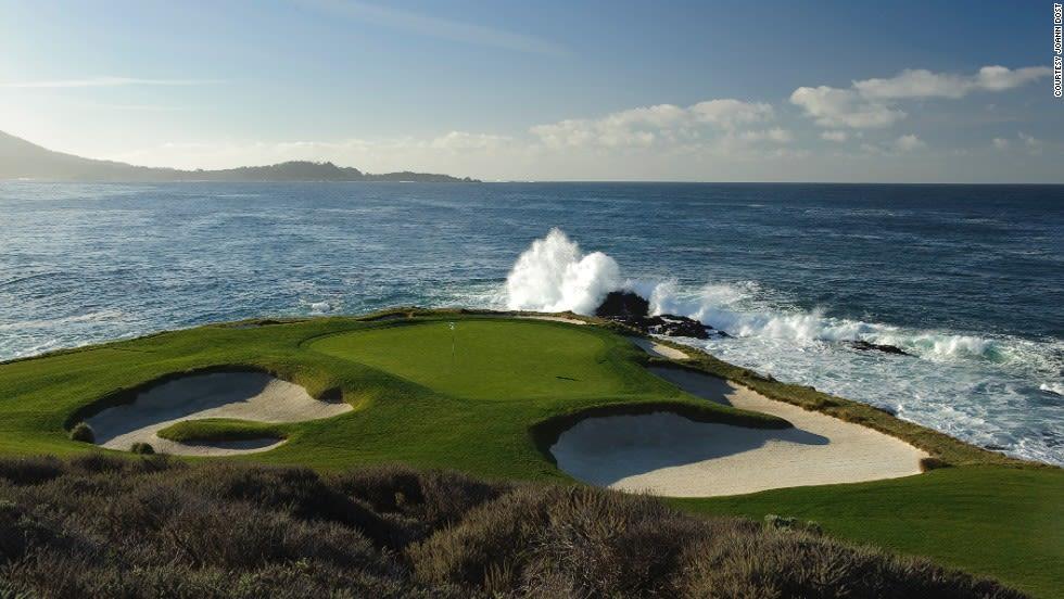 """ملعب """"Pebble Beach Golf Links"""" للغولف في كاليفورنيا"""