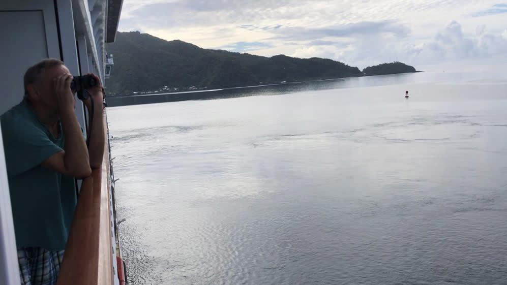 هكذا يقضي ركاب السفن المنبوذة أوقاتهم وسط فيروس كورونا