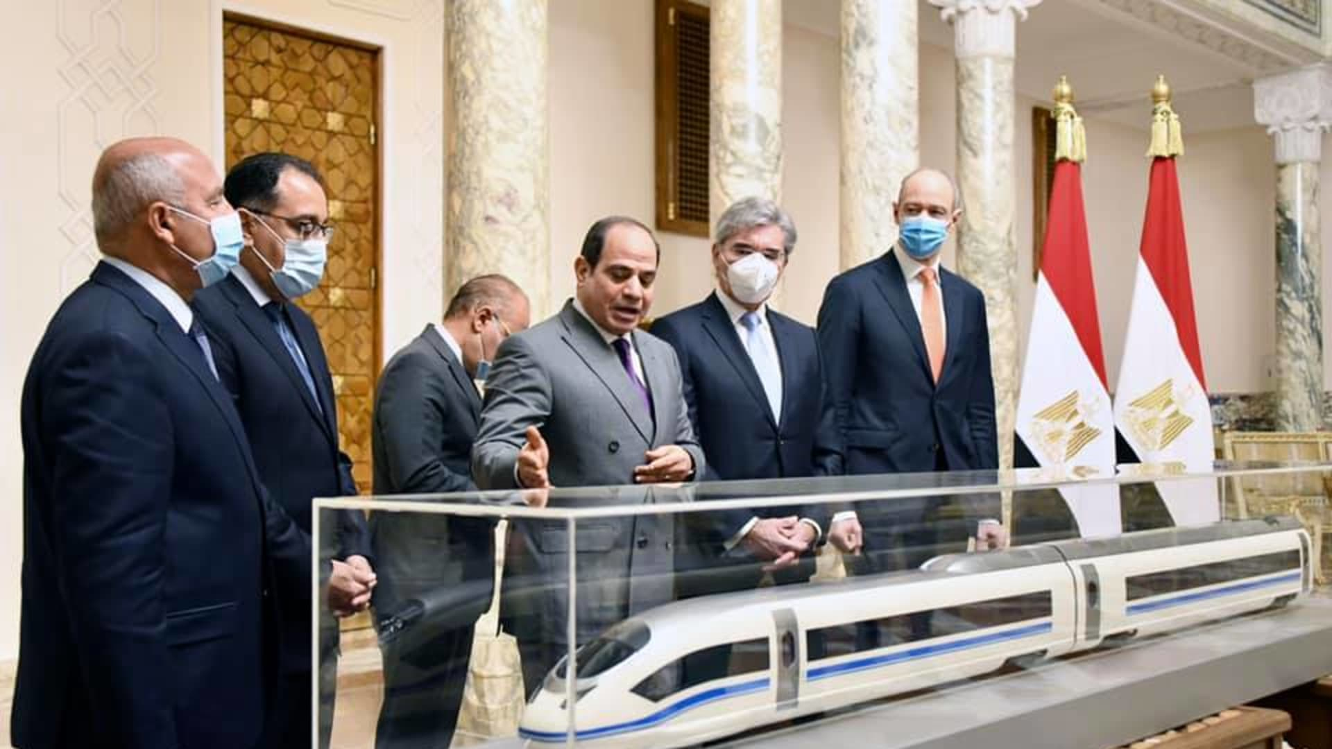 مصر: مشروع قطار كهربائي سريع بطول 1000 كيلومتر وتكلفة قدرها 360 مليار جنيه