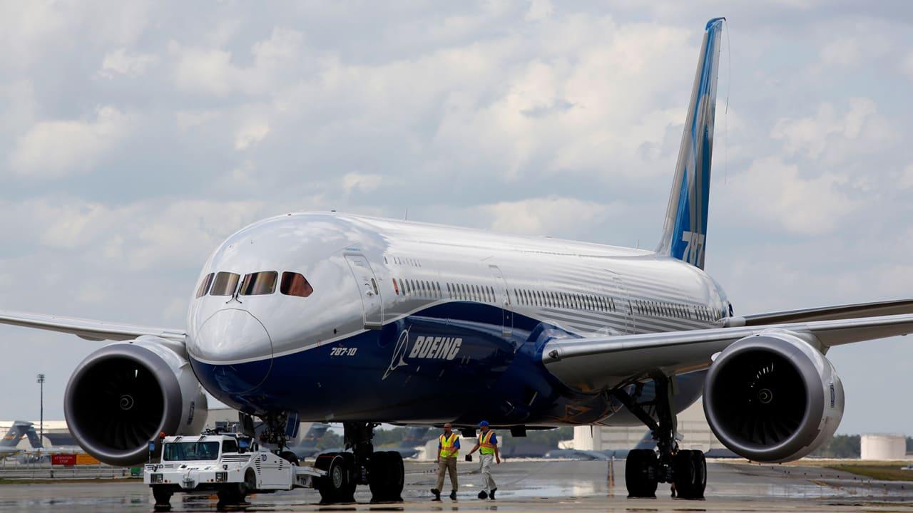 """بوينغ تكشف عن مشكلة جديدة بطائرة """"787 دريملاينر"""""""