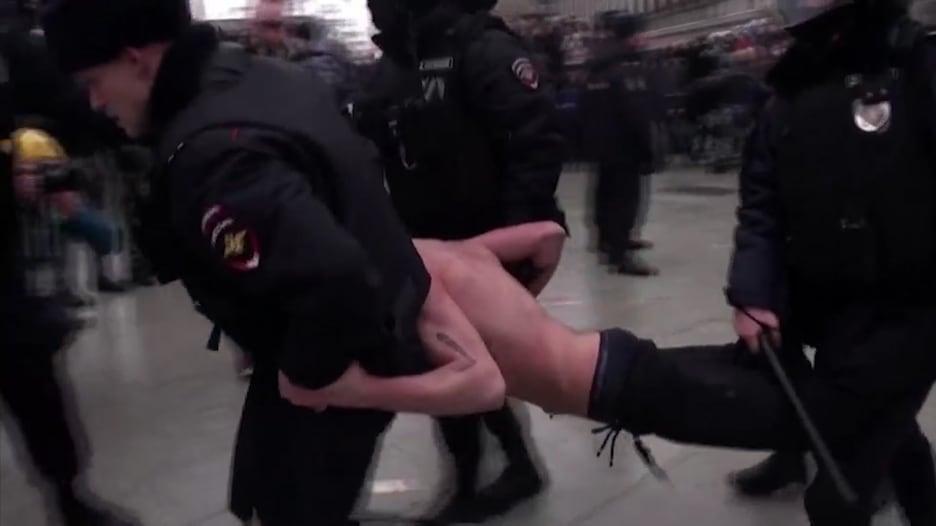 شباب روسيا يشجع للحديث ضد بوتين ومظاهرات نافالني مستمرة