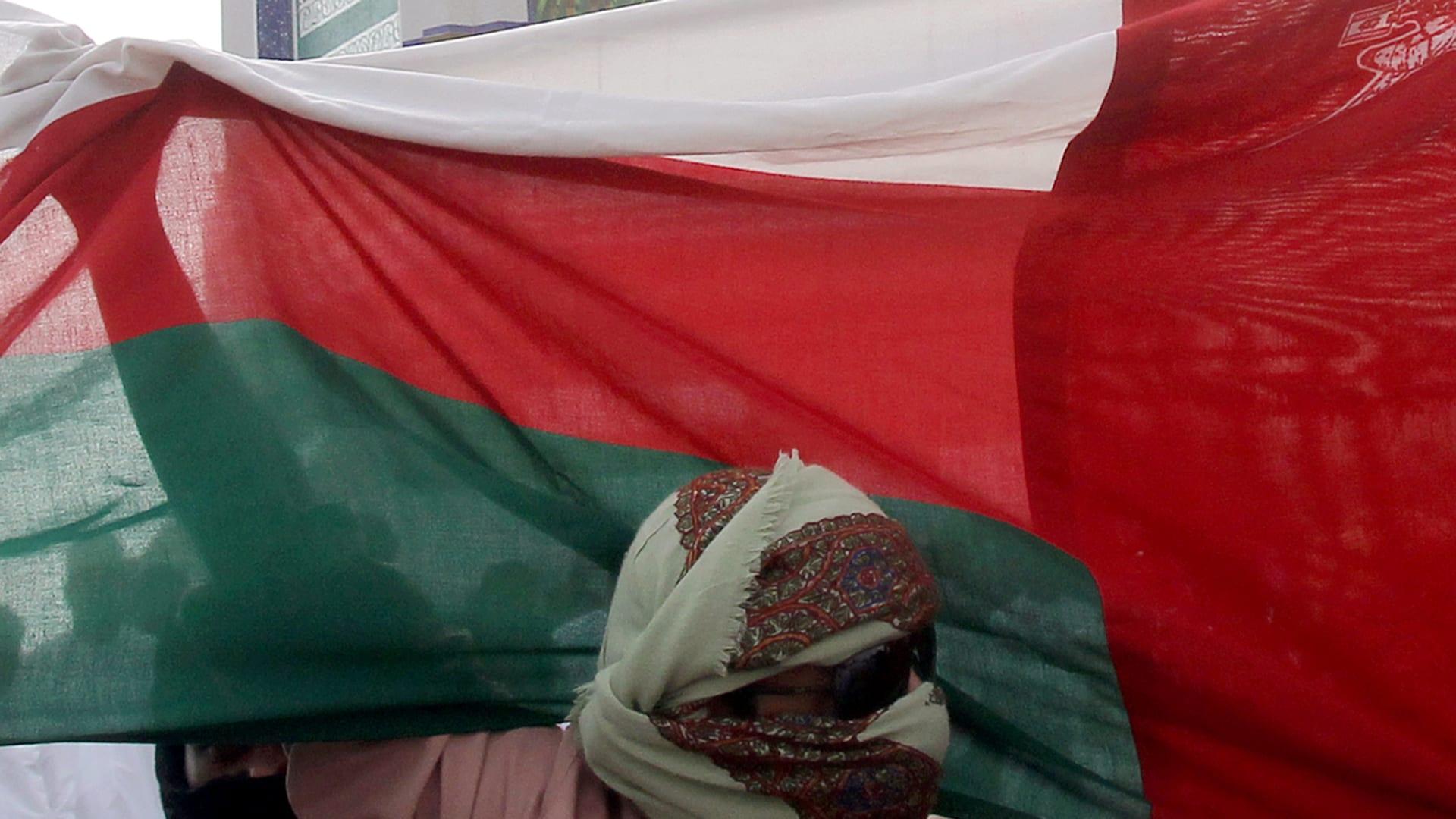 """الشرطة العُمانية ترد على انباء سقوط وفيات في """"التجمعات"""" الشعبية: """"مغلوطة"""""""