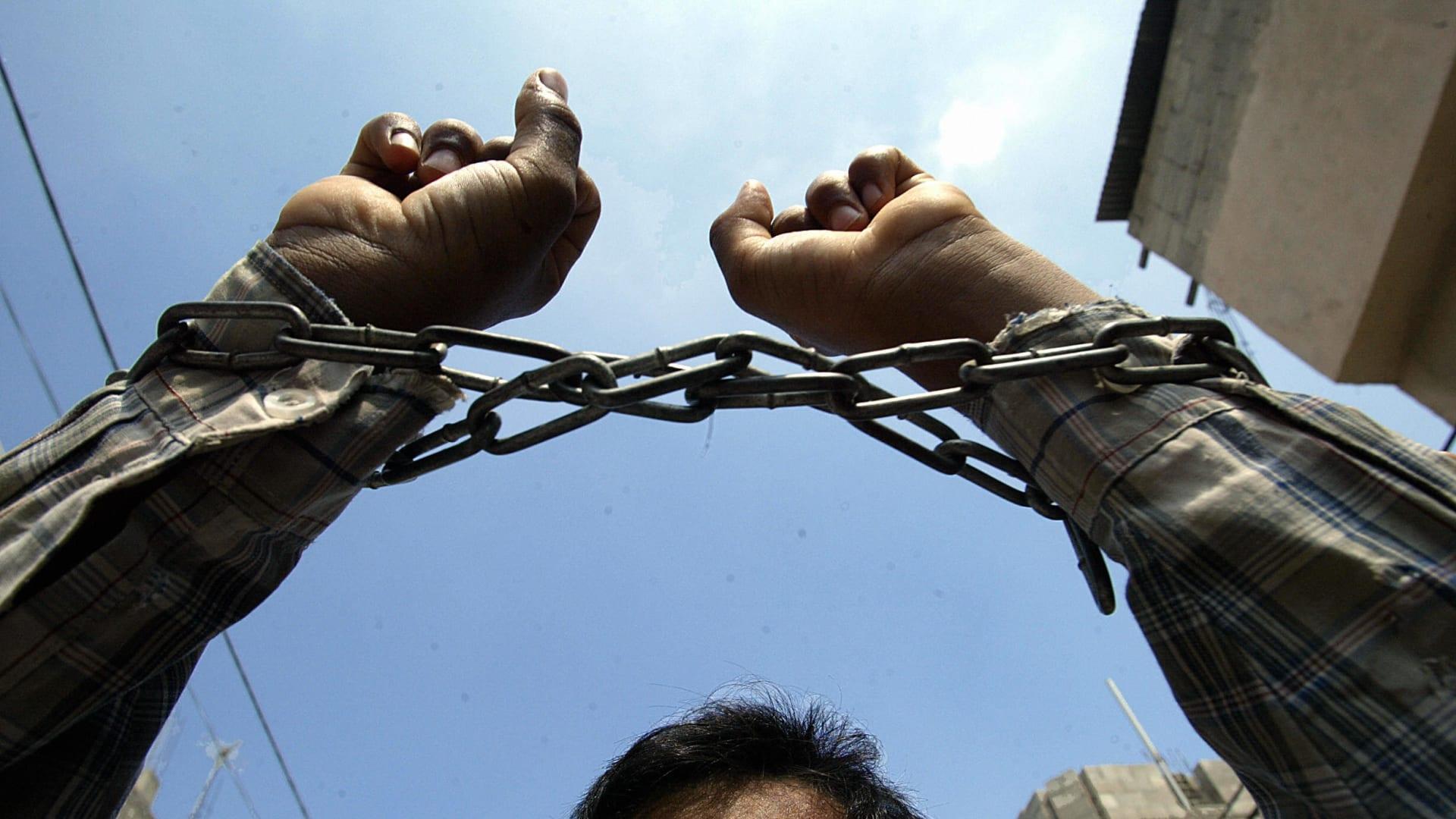 هروب 6 سجناء فلسطينيين في إسرائيل.. والشرطة تلاحقهم بالطائرات المسيرة والمروحية
