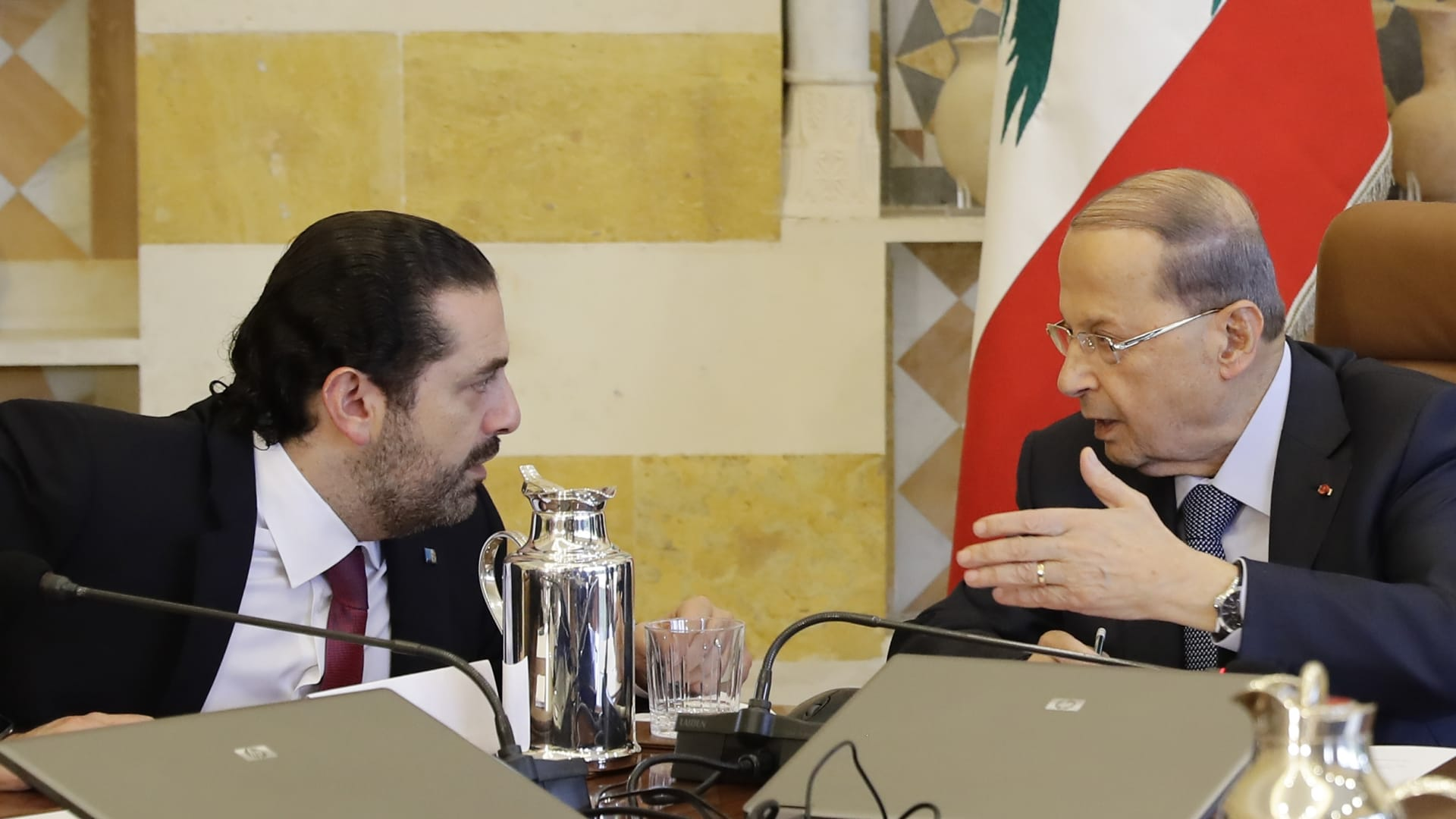 الرئيس اللبناني ميشال عون مع رئيس الوزراء المكلف سعد الحريري