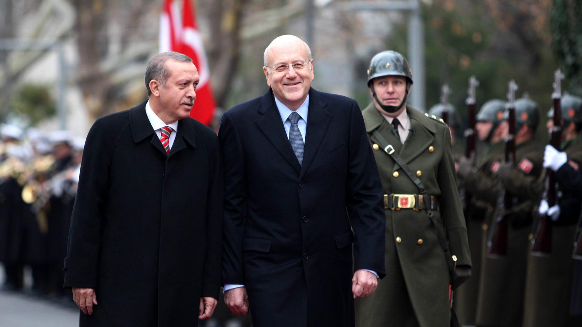 بعد أكثر من شهر على زيارة الحريري لتركيا.. أردوغان يجري اتصالا هاتفيا مع نجيب ميقاتي
