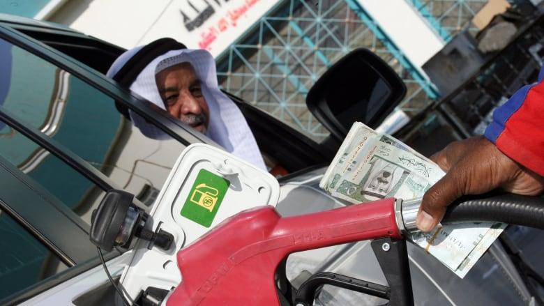 السعودية.. أرامكو تعلن أسعار البنزين الجديدة لشهر فبراير