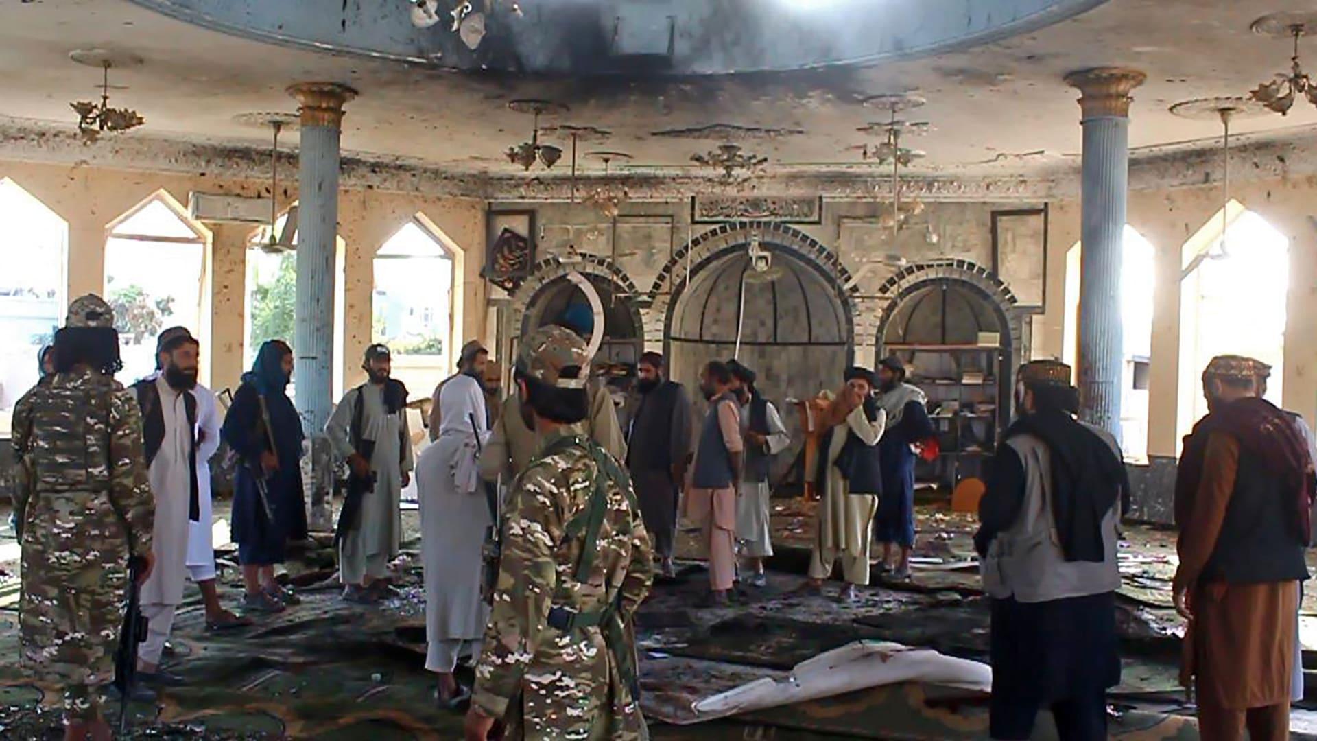 خامنئي يوجه رسالة لطالبان بعد تفجير مسجد للشيعة في قندوز