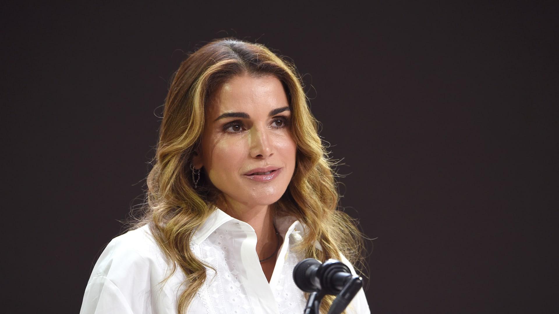 الملكة رانيا عن وفاة مرضى كورونا بسبب انقطاع الأكسجين: ما حدث بمستشفى السلط فاجعة