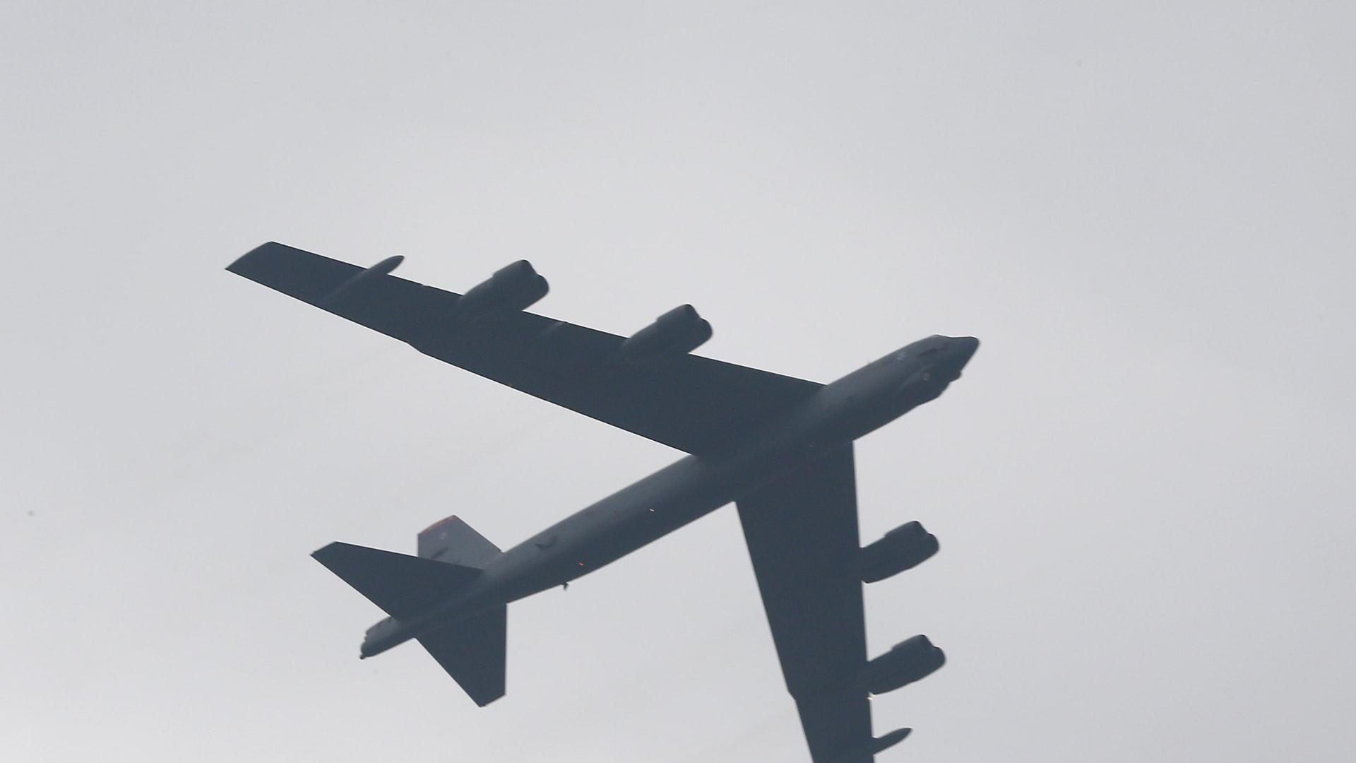 أمريكا ترسل قاذفتي B-52 إلى الشرق الأوسط لتوجيه رسالة جديدة إلى إيران