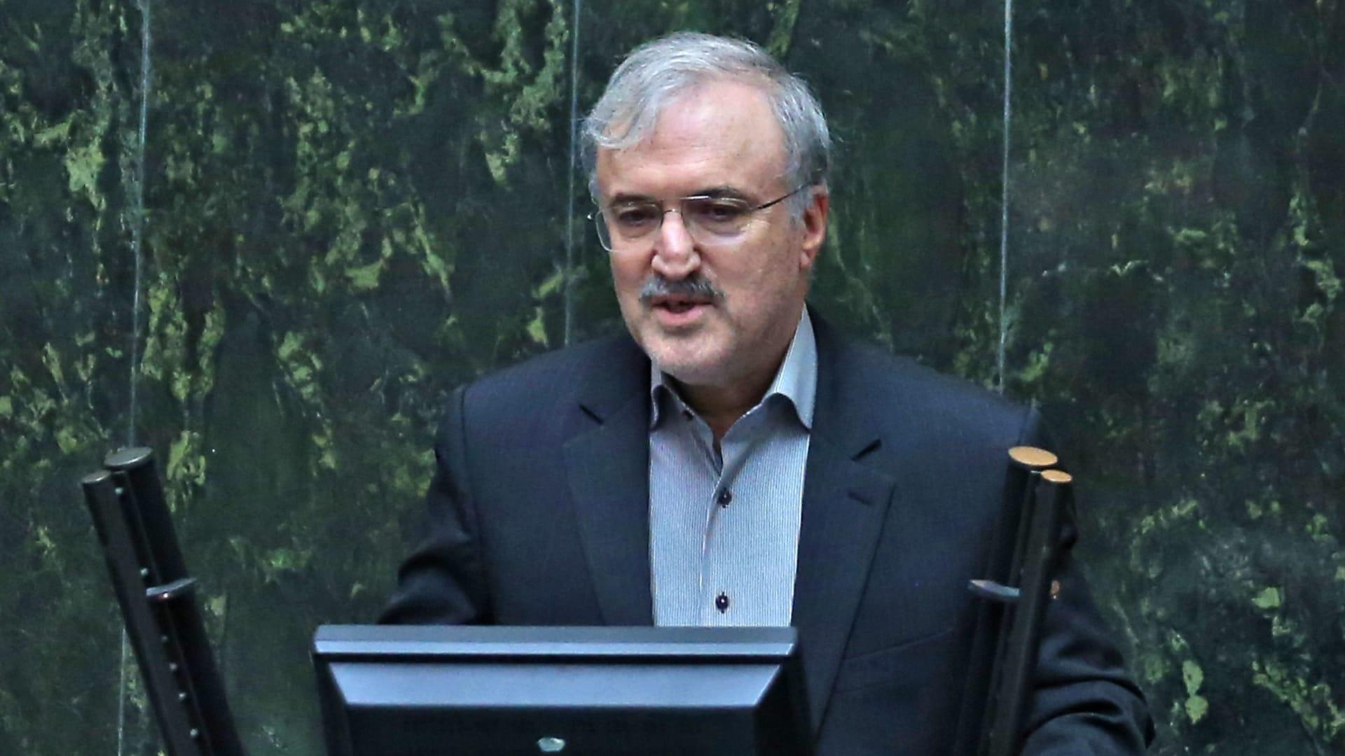 رغم دعوة خامنئي لحظر اللقاحات الغربية.. إيران: سنتلقى 4.2 مليون جرعة من أسترازينيكا