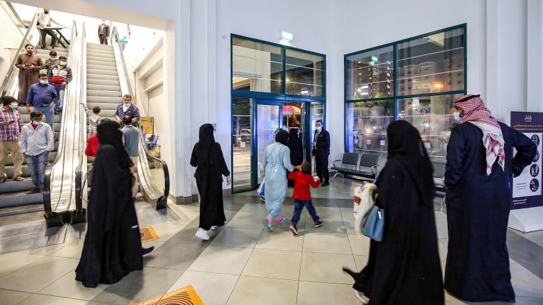 الكويت تعلن حظر تجول جزئي مع تسجيل البلاد معدلات إصابة مرتفعة لفيروس كورونا