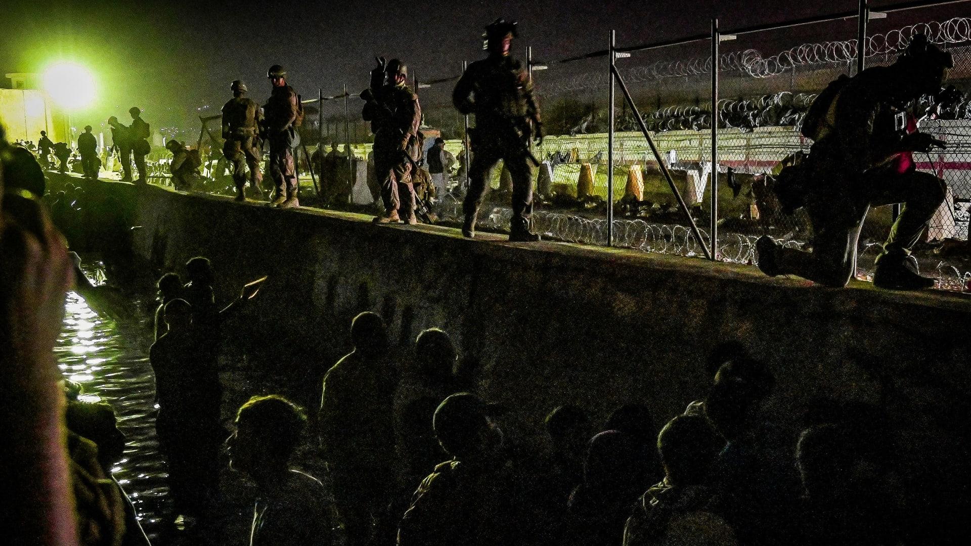 البنتاغون يؤكد مقتل جنود أمريكيين في انفجاري مطار كابول
