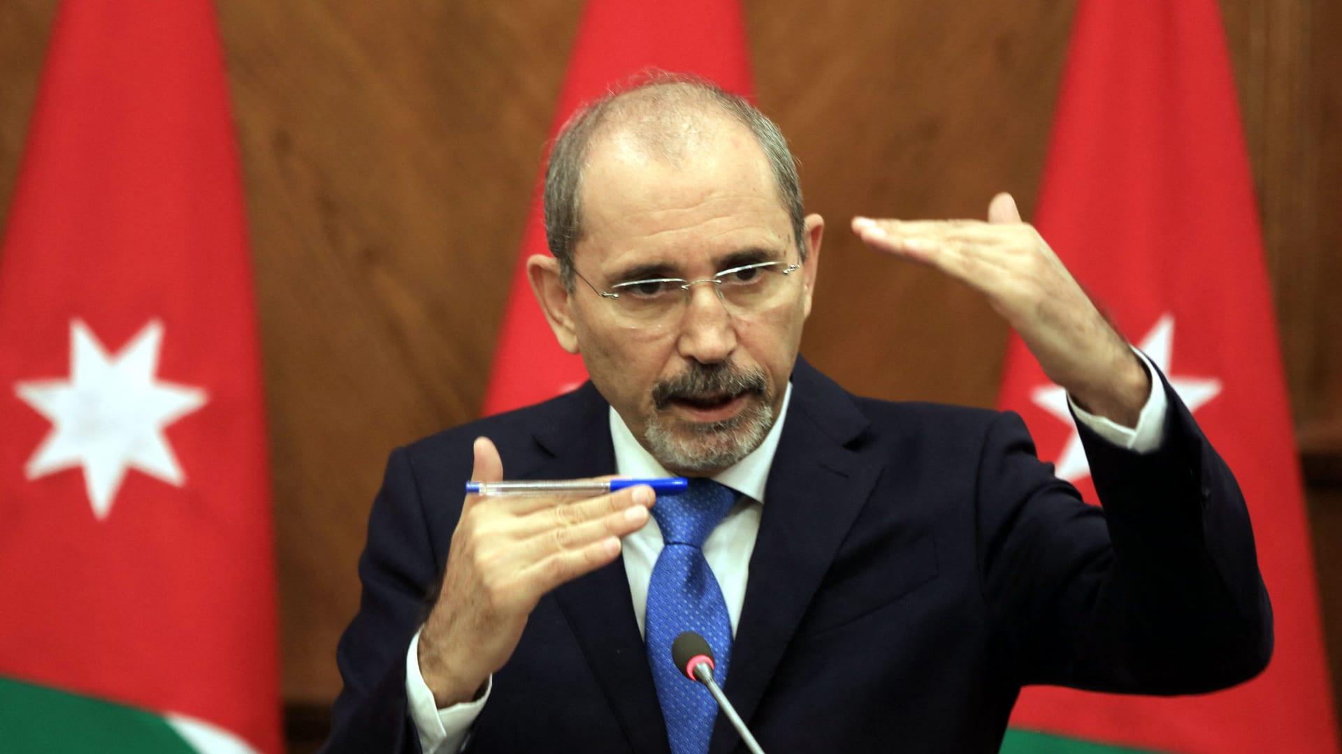 وزيرا خارجية الأردن وسوريا يبحثان تعزيز التعاون وضمان أمن الحدود في نيويورك