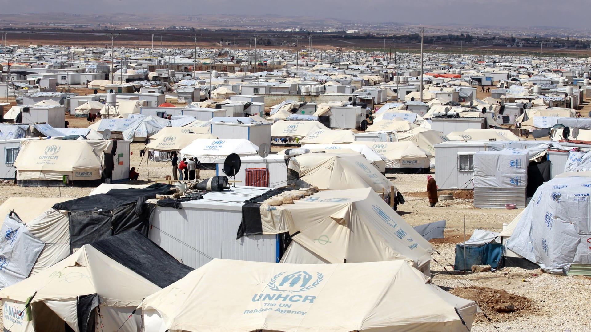 كاميرا CNN بالعربية ترصد تلقي لاجئين سوريين بمخيم الزعتري لقاح كورونا