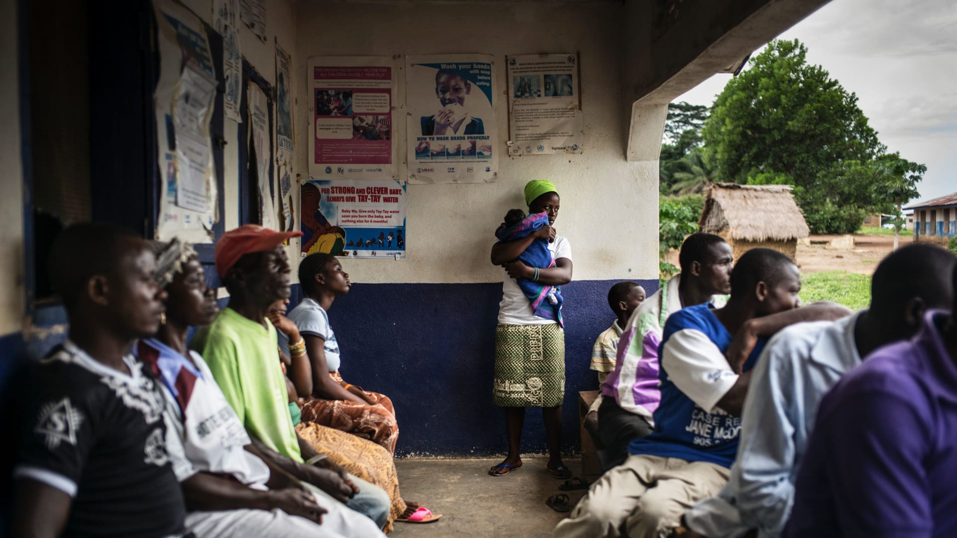 غينيا تعلن تفشي فيروس إيبولا في منطقة واحدة.. والكونغو ترصد المزيد من حالات الوباء