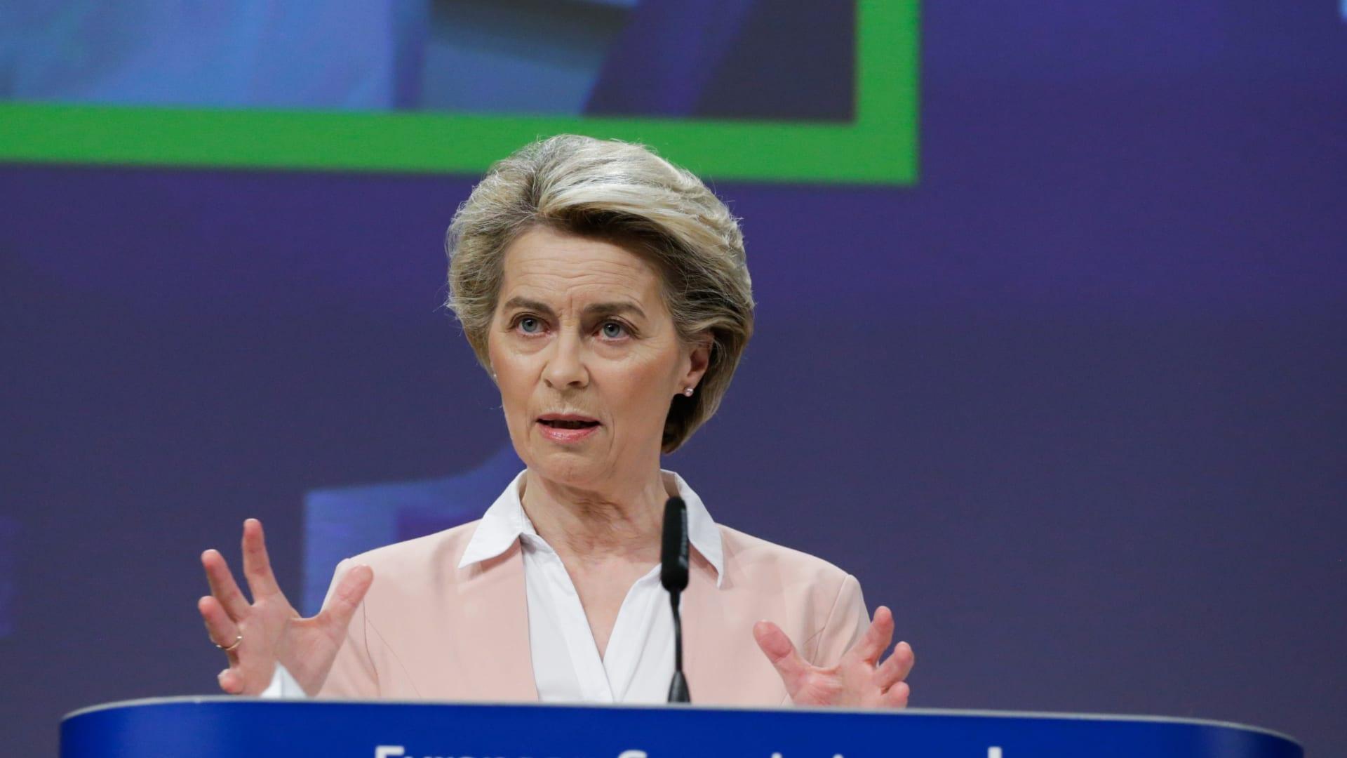 اتفاق أمريكا والاتحاد الأوروبي على تعليق الرسوم الجمركية بشأن نزاع بوينغ وإيرباص
