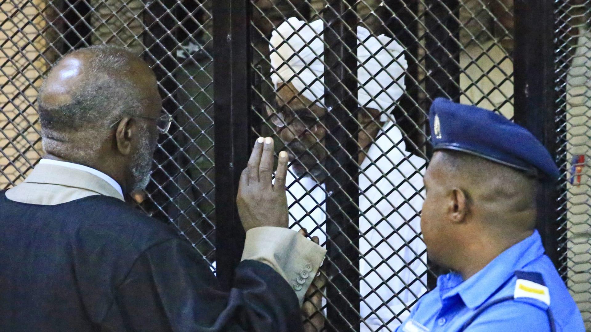 الرئيس السوداني السابق عمر البشير