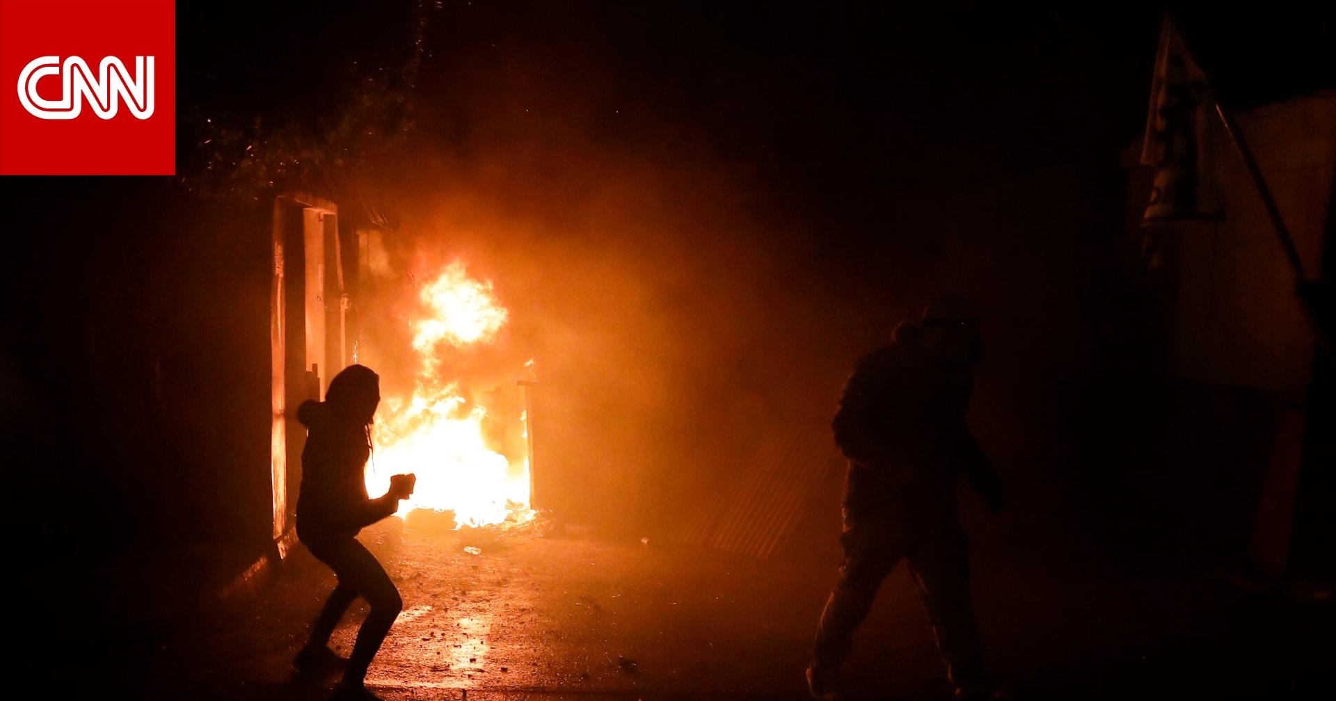 لبنان: احتراق بلدية طرابلس.. والحريري: جريمة والجيش وقف متفرجاً